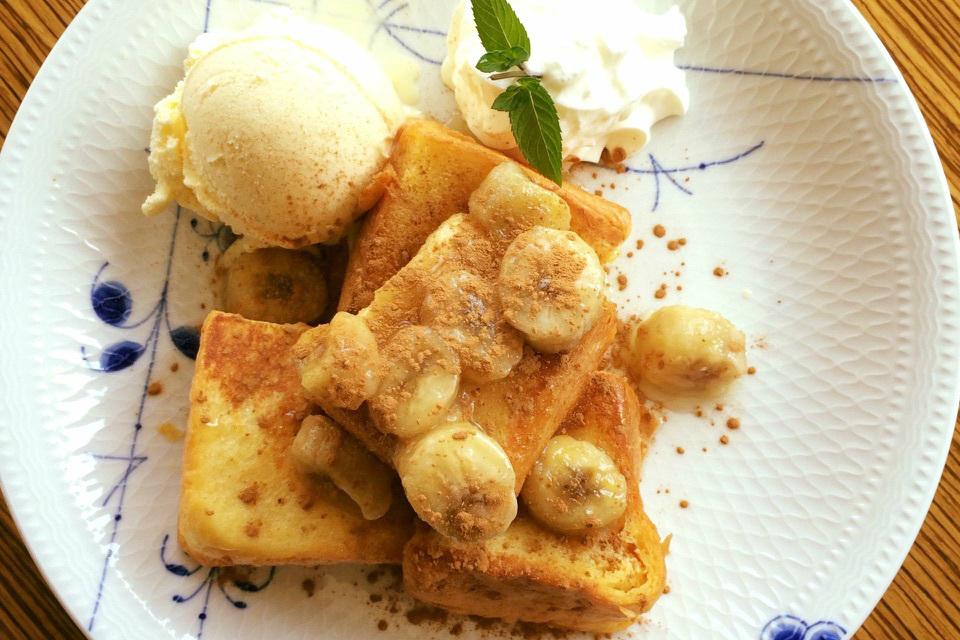 シナモン&バナナ&バニラアイスのフレンチトースト